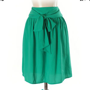 Green skirt with tie